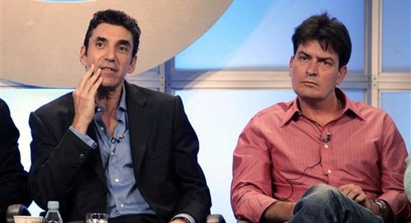 Charlie Sheen 100 millió dollárra perli a Warner Bros-t