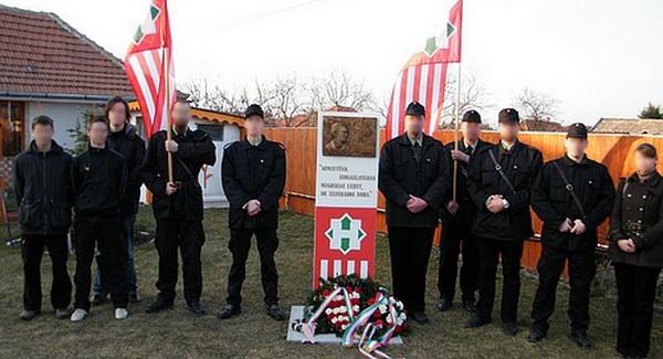 Szálasi emlékművet avattak Magyarországon