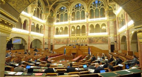 A Fidesz leszavazta a saját indítványát