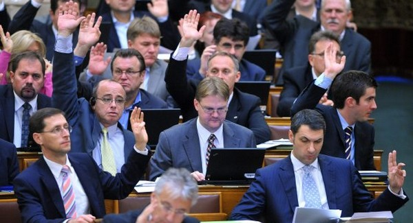 A fideszes képviselők jobban élnek, mint négy éve
