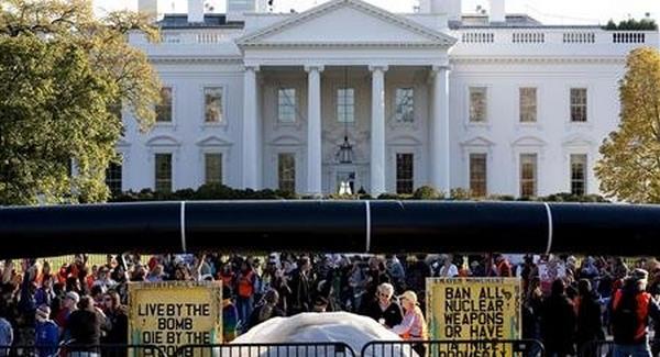 Olajvezeték ellen tiltakoztak a Fehér Háznál
