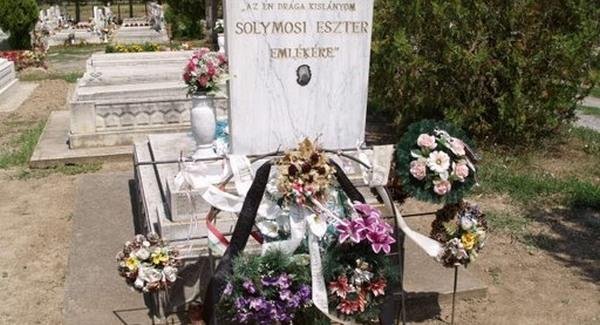 Solymosi Eszter síremléke