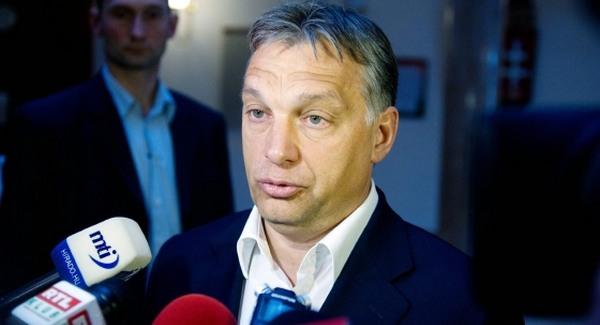 Parasztvakítás magyar módra: Orbán Chicagóban