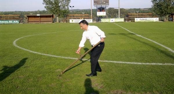 Külföldön is kaszálni akar a Fidesz