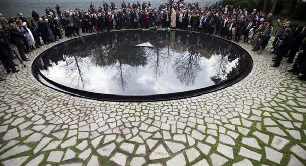 Merkel a roma holokausztról