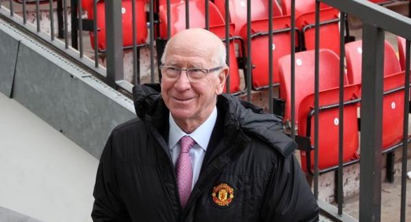 Sir Bobby Charlton 75 éves