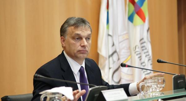 Orbánnal tör Európa ellen a Vatikán