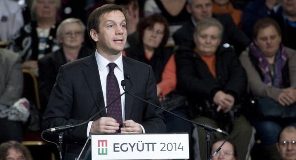 Bajnai megvédte az Orbán-kormányt Berlinben