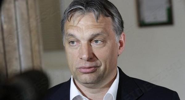 Magyarország elleni összeesküvést sejt Orbán