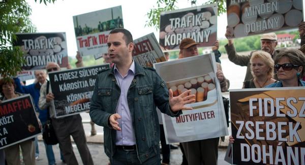 Orbánig érnek a a trafik-mutyi szálai